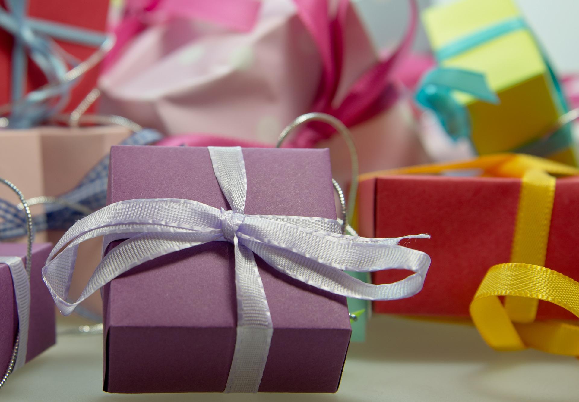 Wręczanie prezentów to przyjemność