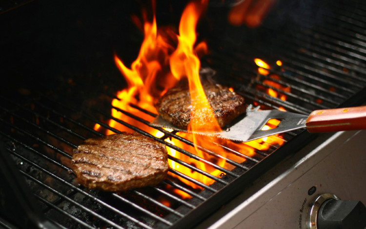 Mięso z grilla jest smaczne i zdrowe. Polecam!