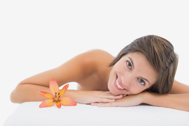 Regularny peeling gwarantuje skórze promienny wygląd i zdrowie