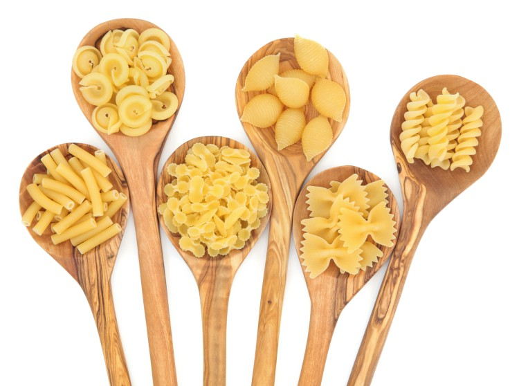 Kształtów i rodzajów makaronu jest mnóstwo - każdy znajdzie swój ulubiony! Smacznego!