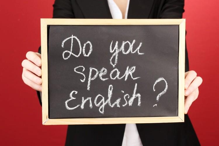 """W obecnych czasach, na pytanie: """"do you speak English?"""" - nie wypada odpowiedzieć: """"no"""". Ok?"""