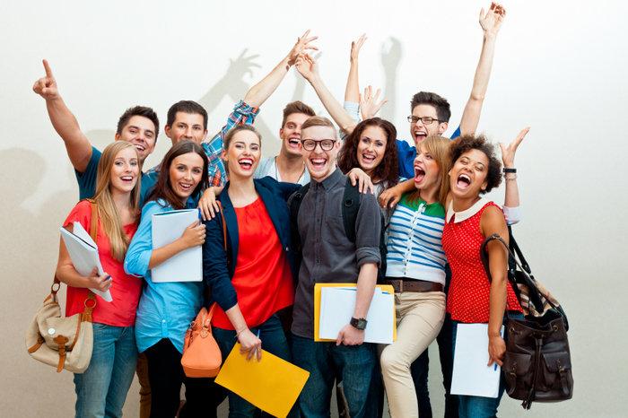 Dobry nauczyciel to nauczyciel, który zaraża swoją pasją, skutecznie motywuje i klarownie przekazuje informacje