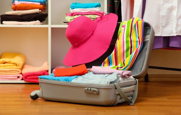 Pakowanie walizek na wakacje może spędzić sen z powiek, ale... nie musi!