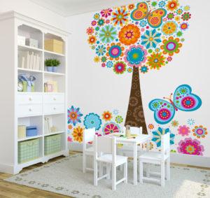 Biel na ścianach to świetna baza dla wszystkich dekoracji i ozdób, dzięki którym pokój nabiera charakteru