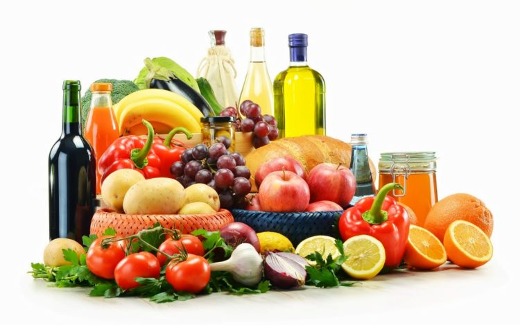 Dzięki dobrze skonstruowanej diecie możemy opóźnić procesy starzenia się naszego organizmu. Co jeść?