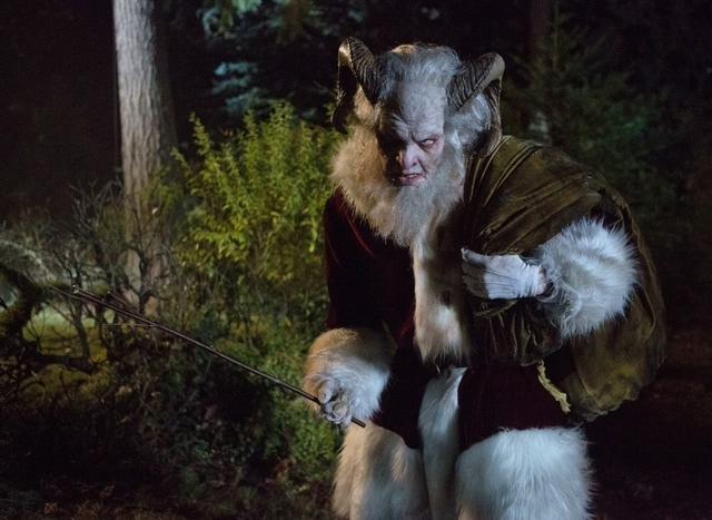 Krampus to zły brat świętego Mikołaja, który 5 grudnia straszy austriackie dzieci