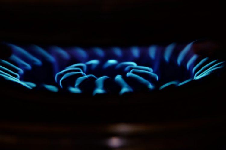 Gaz może zacząć się ulatniać z uszkodzonej, nie remontowanej instalacji - ważne są okresowe, regularne jej kontrole