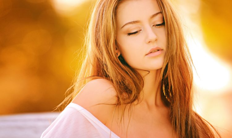 Długie włosy to wyjątkowy atrybut kobiecej urody, który jednak wymaga dużo wytrwałości i regularnej pielęgnacji
