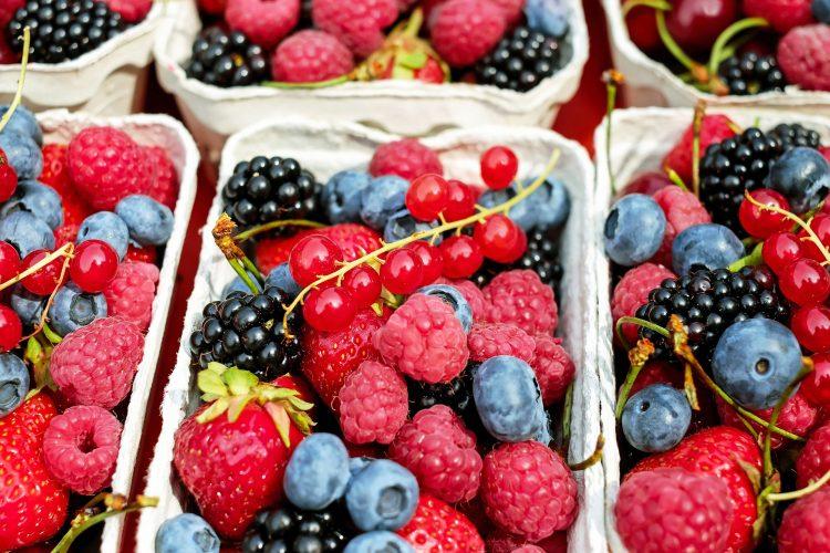Owocowy mix to doskonałą przekąska dla małego i dużego